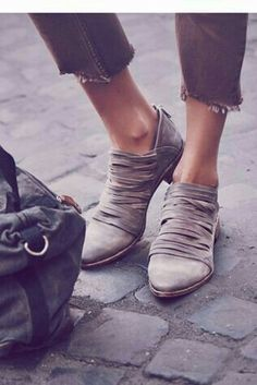 43fa60b88467 22 Best shoes and boots images