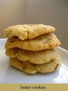 Butter Cookies with Sliced Almonds - Rasa Malaysia Easy Delicious Recipes, Easy Cookie Recipes, Sweet Recipes, Baking Recipes, Dessert Dishes, Dessert Recipes, Desserts, Bar Recipes, Scones
