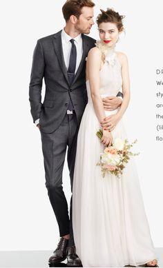 #Flowing #Wedding #Dress ♡ For how to organise an entire wedding https://itunes.apple.com/us/app/the-gold-wedding-planner/id498112599?ls=1=8 ♥ THE GOLD WEDDING PLANNER iPhone App ♥  http://pinterest.com/groomsandbrides/boards/ for an abundance of wedding ideas ♡