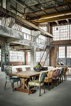 La verrière, pour un style 100% industriel #verriere #WeLoftYou #industriel  http://www.novoceram.fr/blog/tendances-deco/verriere-style-industriel