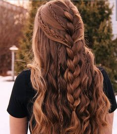 Trenzas Deutsch The most successful photo albums In addition to the successful u . - Trenzas Deutsch The most successful photo albums In addition to the successful and beautiful photos - 4 Braids Hairstyle, Hairstyles With Bangs, Pretty Hairstyles, Easy Hairstyles, Girl Hairstyles, Hairstyles 2018, Bohemian Hairstyles, Braids In Hair, Hairstyle Ideas