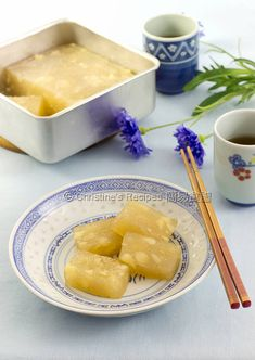 new year Water Chestnut Cake (Chinese New Year Recipe) - Christine& Recipes: Easy Chinese Recipes Asian Desserts, Sweet Desserts, Delicious Desserts, Dessert Recipes, Yummy Food, Chinese Desserts, Asian Snacks, China, Christine's Recipe