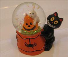 *Halloween snow globe