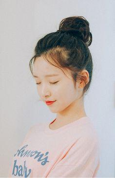 Korean Hairstyles and Fashion - Official Korean Fashion Popular Short Hairstyles, Hairstyles For School, Girl Hairstyles, Fashion Hairstyles, Hairdos, Korean Hairstyle Long, Korean Hairstyles, Asian Girl, Korean Girl