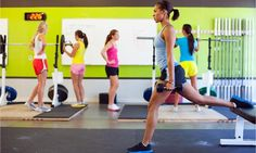 Ask the Celebrity Trainer: What\'s the Best Workout for a Small Space? #fitness