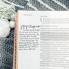 In case you needed a reminder today, Jesus loves you + chose regardless of your past, your background, or your abilities. He LOVES you just the way you are and would chose you again and again 💛 Cute Bibles, Bible Doodling, Bible Drawing, Bibel Journal, Bible Study Journal, Bible Notes, Bible Verses Quotes, Scriptures, Godly Quotes