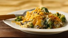 Dinner ready in 30 minutes! Uses rotisserie chicken! Enjoy this chicken casserole that features Green Giant® Select® broccoli, rotisserie chicken, Progresso® soup, and bread crumbs. Chicken Divan Recipe, Creamy Chicken Casserole, Cauliflower Casserole, Broccoli Casserole, Turkey Recipes, Chicken Recipes, Chicken Meals, Baked Chicken, Chicken Rice