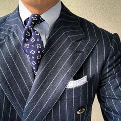 Mens Fashion Suits, Mens Suits, Large Men Fashion, Blue Suit Men, Classy Suits, Best Dressed Man, Bespoke Suit, Elegant Man, Dapper Men