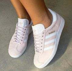 These were my first pair of Adidas when I was 16 years old. I'll never forget it. I was the only girl rockin these shoes at my high school. Cute Sneakers, Cute Shoes, Me Too Shoes, Shoes Sneakers, Adidas Gazelle, Gazele Adidas, Adidas Shoes, Pink Adidas, Zapatos Shoes