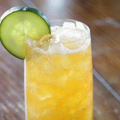 How to make a Dark And Stormy | Muddle Muddle | 60 Second Cocktails