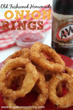 Homemade Old Fashioned Onion Rings Recipe Old Fashioned Homemade Onion Rings - mamke from home! Recipe on Frugal Coupon Living. Serve with ketch-up or ranch! Yummy Recipes, Side Dish Recipes, Appetizer Recipes, Great Recipes, Snack Recipes, Cooking Recipes, Favorite Recipes, Snacks, Appetizers