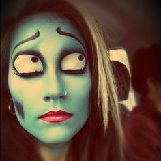 lol if you look at her nose it looks real! awesome halloween make up Adulte Halloween, Fröhliches Halloween, Cool Halloween Makeup, Holidays Halloween, Halloween Costumes, Vintage Halloween, Skeleton Costumes, Party Costumes, Corpse Bride Makeup