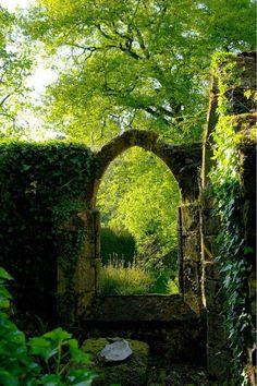 Doorway to a secret garden! In Lagonna-Daoulas, France