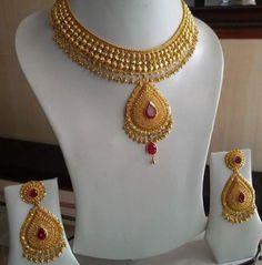 Jewelry Design Earrings, Gold Earrings Designs, Necklace Designs, Gold Jewellery, Bridal Jewelry, Prom Jewelry, India Jewelry, Bling Jewelry, Jewelry Rings