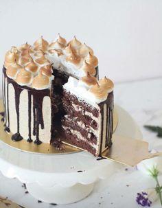Chocolate merengue cake