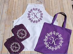 Monogrammed Apron, Matching Apron and Oven Mitt, Purple Potholders, Gift for Mom,Personalized Gift, Gift for Chef #kitchendecor #giftsforher #giftsformom #holidayshopping