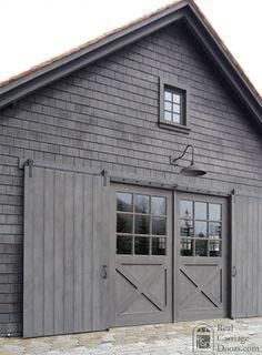 Love the monochrome, the doors, the barn light. Modern Barn, Modern Farmhouse, Farmhouse Front, Carriage Doors, Carriage House, Barn Garage, Barn Living, Old Barns, Small Barns