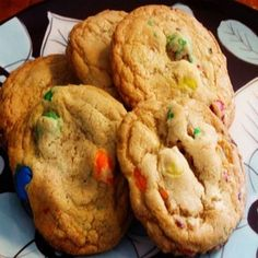 Sweet Saturday: Peanut Butter M&M Cookies M M Cookies, Easy Sugar Cookies, Buy Girl Scout Cookies, Peanut Butter Filled Pretzels, Marijuana Recipes, Cake Online, Ak 47, Cakes For Men, Blueberry Cheesecake