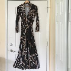 """SALE SALE Boston Proper Chain Wrap Dress Size 8 Absolutely divine Boston Proper Chain Diamonds Wrap Dress Size 8 Adorned with draping pearls and diamonds. A long flowing 61"""" inches in length and 36-38"""" bust. Beautifully divine and elegant.  TRADES ❤️OFFERS FRESHLY CLEANED! OFFERS WELCOME Boston Proper Dresses Maxi"""