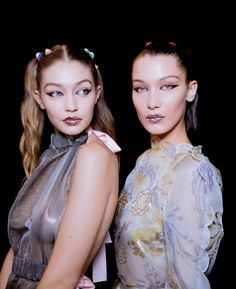 Go behind the scenes at the biggest shows of Milan Fashion Week Spring 2017. (Gigi and Bella Hadid)