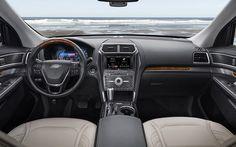 Ford Explorer Limited 2.3 EcoBoost AT 4WD 2017 nhập khẩu nguyên chiếc tại Mỹ với mức giá 2,18 tỉ đồng. Ford Explorer được trang bị hàng loạt công nghệ mới.