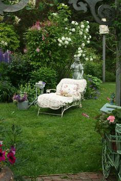 Outdoor Rooms, Outdoor Gardens, Outdoor Living, Garden Cottage, Home And Garden, Garden Nook, Cacti Garden, Outdoor Reading Nooks, Backyard Seating