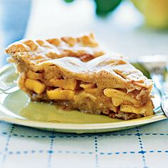Video: How to Make Traditional Apple Pie