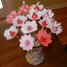 Flowers bouquet gift valentines hersheys kisses 67 ideas for 2019 Valentine Bouquet, Valentine Treats, Valentine Day Crafts, Holiday Crafts, Holiday Fun, Festive, Valentine Cupcakes, Heart Cupcakes, Pink Cupcakes