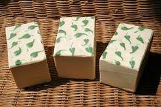 El jabón de tajo es, seguramente, una de las recetas antiguas más utilizadas del mundo. Por eso, dedico esta entrada a nuestras abuelas o p...