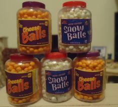 UTZ Cheese Balls Snow Balls - One inch scale dollhouse miniature - Tanya Miniature Kitchen, Miniature Food, Little Pet Shop Toys, Chicken Piccata, Doll Food, Snow Balls, Skillet Chicken, Fake Food, Mini Things
