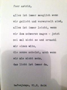 """Sag mir ein Wort und ich schreib dir ein Gedicht. Diese Karte entstand im Hafenjungen in Wien unter dem Motto """"Happy Typing für Drinks"""". Fotos daher teilweise etwas unscharf … :-)"""