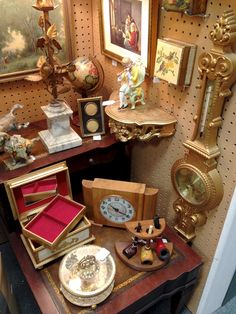 Great Display Of Vintage Items At Homestead Handcrafts, San Antonio, Texas.