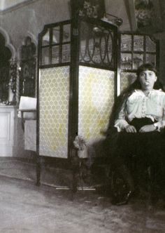 15 intimate snapshots of the Romanov family, shortly before their execution Anastasia Romanov with fake teeth.