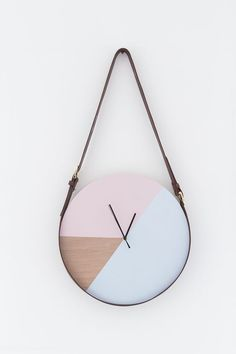 DIY Clock, Wall Clock, Trending Minimalist Art - DYI wall clock will add a clean, crisp touch to your home decor. This beautiful clock has a touch o - Unique Wall Clocks, Wood Clocks, Diy Wall Decor, Diy Home Decor, Mur Diy, Wall Clock Design, Clock Wall, Diy Wall Clocks, Wall Art