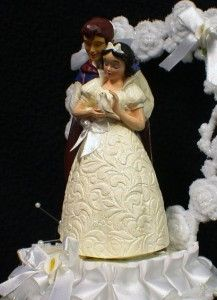 snow white cake top  i just love it!!!!!
