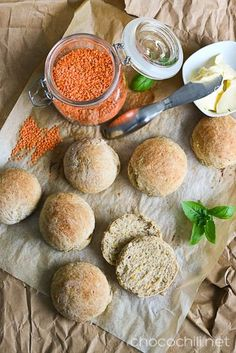 Linssisämpylät Sugar Free Recipes, Raw Food Recipes, Vegetarian Recipes, Bread Recipes, Pesco Vegetarian, Happy Vegan, Vegan Bread, Vegan Meal Prep, Healthy Baking