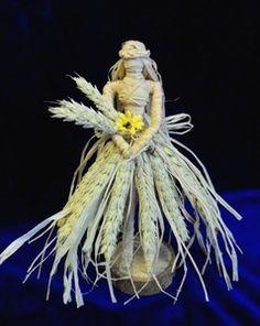 Dress your own Goddess Figure. Brighid Goddess, Moon Goddess, Wiccan, Pagan, Corn Dolly, Seasonal Image, Dark Moon, Rustic Crafts, Halloween Doll
