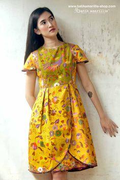 beautifully made dress to accompany you… Amarillis, Batik Fashion, Tulip Skirt, Batik Dress, Boutique Tops, All About Fashion, Dress Codes, Designer Wear, Streetwear Fashion