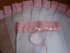 Saquinho ideal para roupinhas de bebê ou lingerie. Saquinhos de organza tamanho 24x30cm liso ideal para roupas de bebê, organização de gavetas e mala da maternidade. Preço da unidade. A produção inicia-se a partir da confirmação do pagamento.