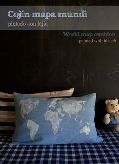 Cojín Mapa Mundi / World Map cushion -pain with bleach pintar con lejia