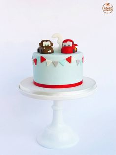 Mater & Lighting McQueen cake