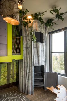 Treehouse Bunkbed >> http://photos.hgtv.com/rooms/viewer/bedroom/custom-treehouse-bunkbed?soc=pinterest