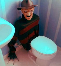 Yeah I dont think I would be able to us the bath room with Freddy watching me