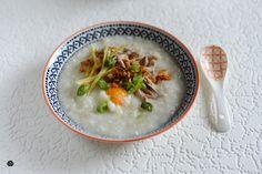 Lemon & Vanilla: Congee with Chicken, Ginger and Poached Egg / Congee com Frango, Gengibre e Ovo Escalfado.