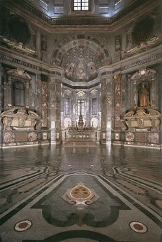 The Church of San Lorenzo was the personal chapel of the Medici Family and now houses their dramatic tombs, sculpted by Michelangelo and Donatello.