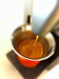 Guten Morgen…einen wunderschönen Herbstag begrüssen wir mit einem #Kazaar #Kaffe von @Nespresso