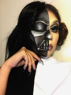 Lots of inspiration, diy & makeup tutorials and all accessories you need to create your own DIY Darth Vader Star Wars Costume for Halloween. Darth Vader Kostüm, Darth Vader Costumes, Star Wars Halloween, Halloween Looks, Halloween Face Makeup, Halloween Costumes, Face Paint Makeup, Fx Makeup, Star Wars Party