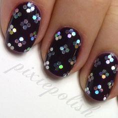 NOIR Black Beauty :: Black Nail Art