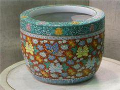 Imari hibachi Japanese Hibachi, Irori, Nihon, Antique Art, Traditional Art, Arts And Crafts, Woodworking, Pottery, Textiles