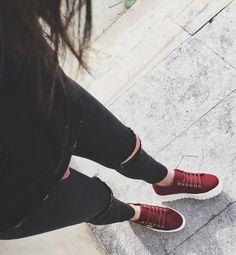 New collection! Confortables! Son las #zapatillas plataforma dentada de Victoria.